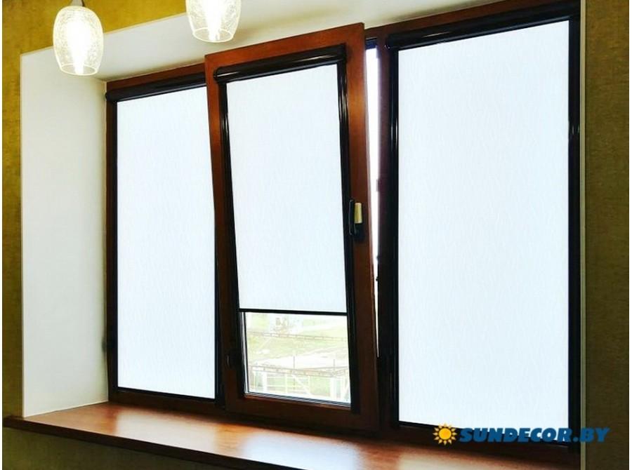 Кассетные рольшторы на деревянное окно