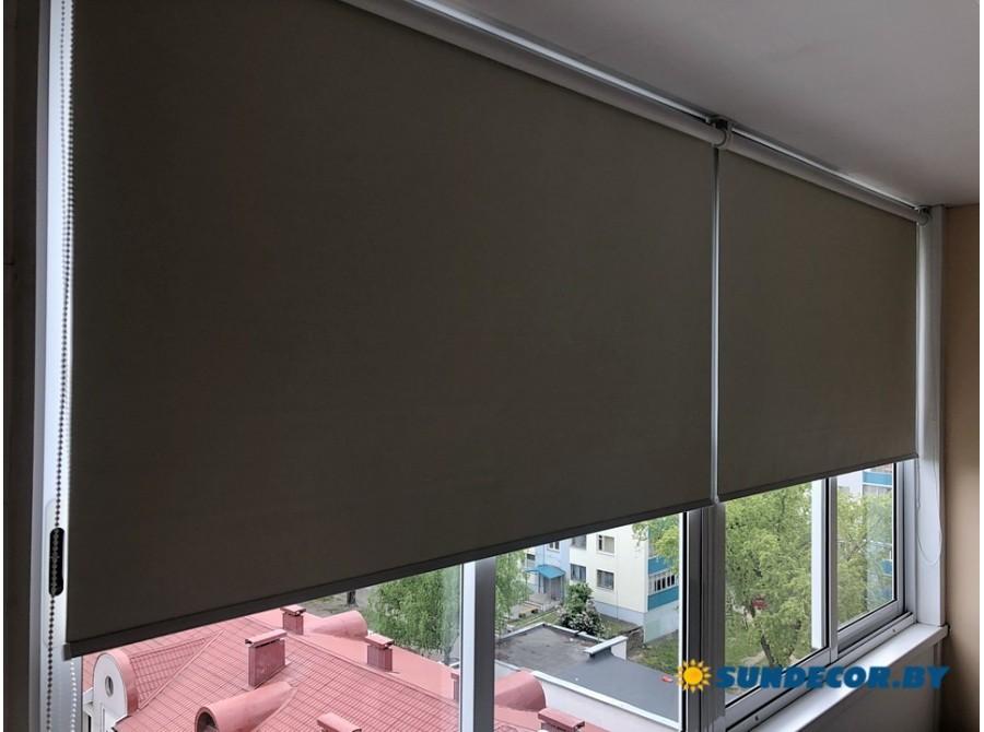 Рольшторы блэкаут на балкон